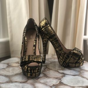 Black & Gold Fendi Shoes Size 36 1/2